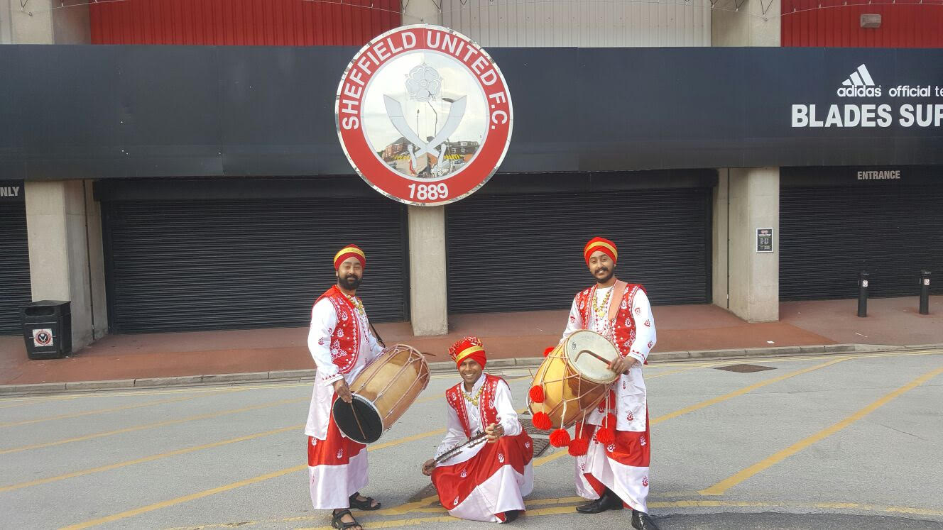 Manchester Dhol Players. Book Indian Drummers for birthdays, weddings and more